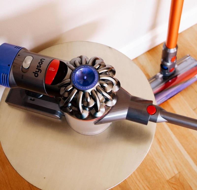 Rutin Membersihkan Vacuum Cleaner