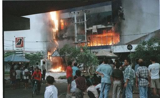 Mall Klender Terbakar - Blog Mas Hendra