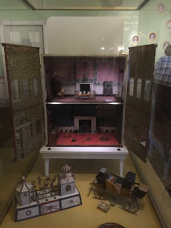 Kensington Palace Dollhouse