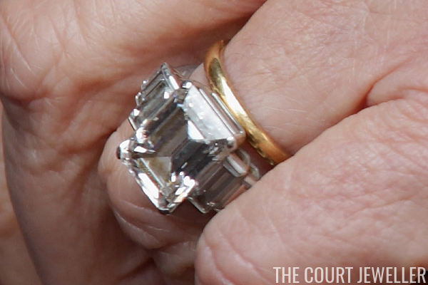 The Sunday Ring The Duchess Of Cornwalls Engagement Ring