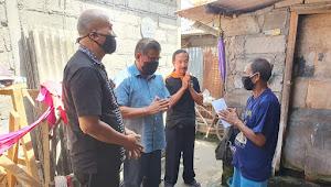 Pemkot Denpasar Bagikan BLT Kepada Masyarakat di Dangin Puri Kaja.