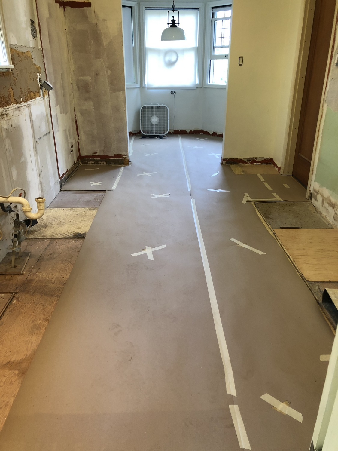 How To Lay Sheet Vinyl Flooring In A Complex Larger Space
