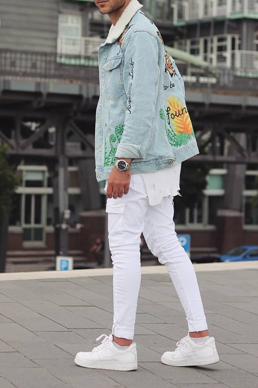 White jeans with blue denim