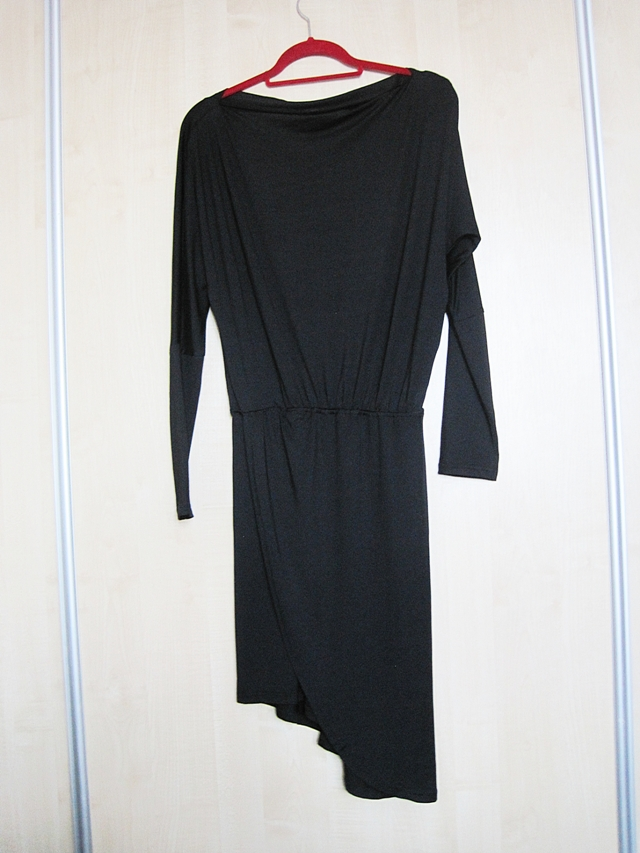 http://www.shein.com/Black-One-Shoulder-Asymmetrical-Dress-p-299193-cat-1727.html?utm_source=www.lifebymarcelka.pl&utm_medium=blogger&url_from=lifebymarcelka