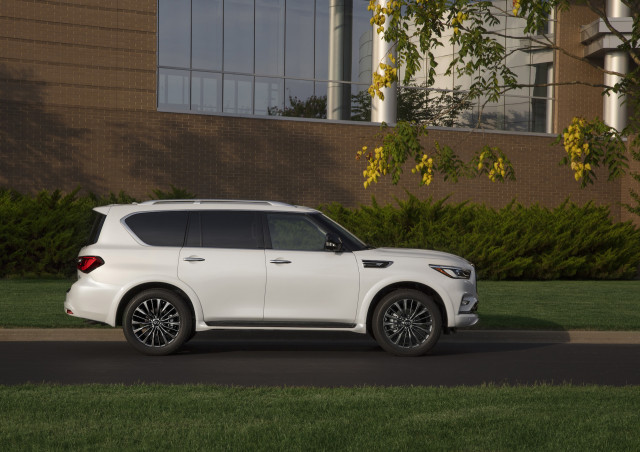 2021 INFINITI QX80 Review