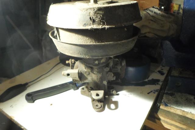 carburateur à réviser Peugeot 203