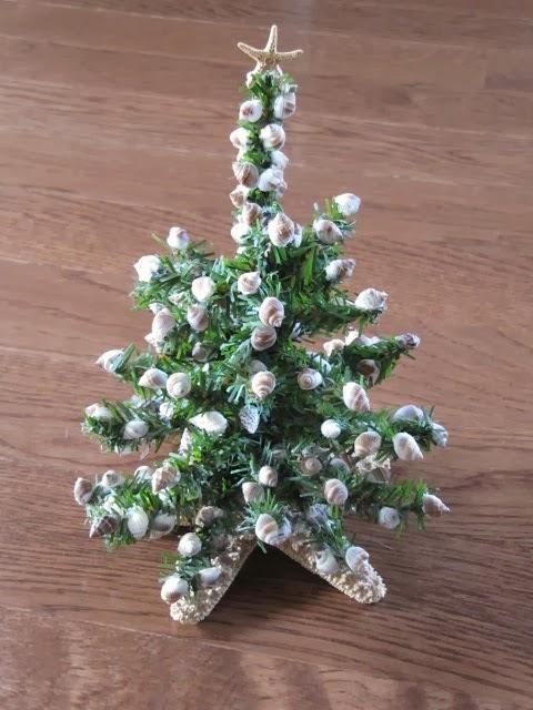 Sew Many Ways...: Seashell Christmas Tree…Thrift Store Find