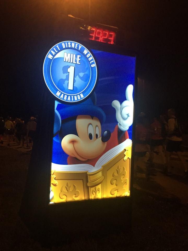 Dopey Challenge Mickey Marathon 2016 Mile 1