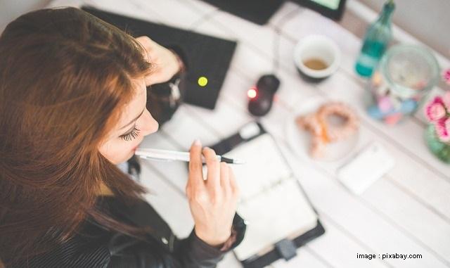 8 Tanda Kamu Bekerja Terlalu Keras - Blog Mas Hendra