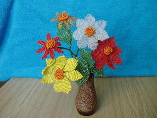 Цветок георгин из бисера