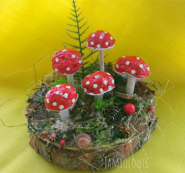leśne stroiki z grzybami