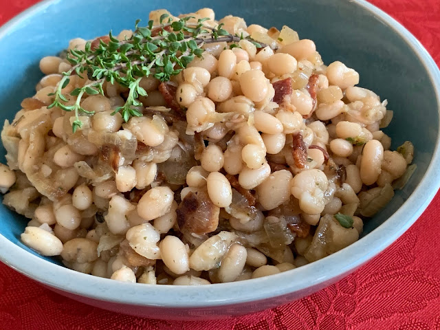white beans, bacon, thyme, onion, garlic