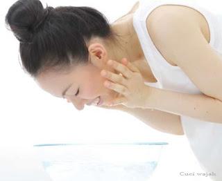pembersih wajah untuk kulit berminyak
