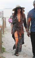 Priyanka Chopra on the beach Day 3 with friends in Miami Exclusive Pics  020.jpg