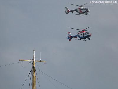 Hubschrauber über dem Hafengeburtstag