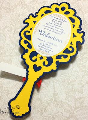convite artesanal personalizado aniversário infantil espelho de mão vintage filme a Bela e a Fera moderno diferente sofisticado criativo papelaria personalizada para festa princesa disney scrapfesta scrap