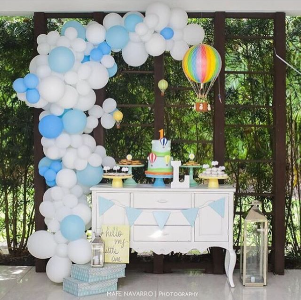 101 fiestas ideas para tu mesa de dulces con globos - Globos aerostaticos infantiles ...