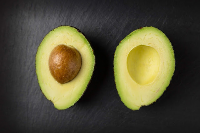 6 good ways to use avocados for the beauty of skin and hair