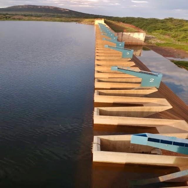 barragem de Ponto Novo transbordar