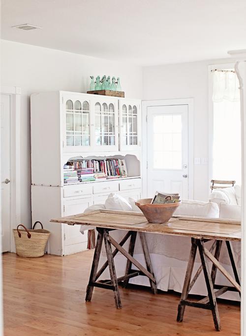Dreamiest Scandinavian House Design Exterior Ideas 6: My Scandinavian Home: A Dreamy White Home Packed With Antiques