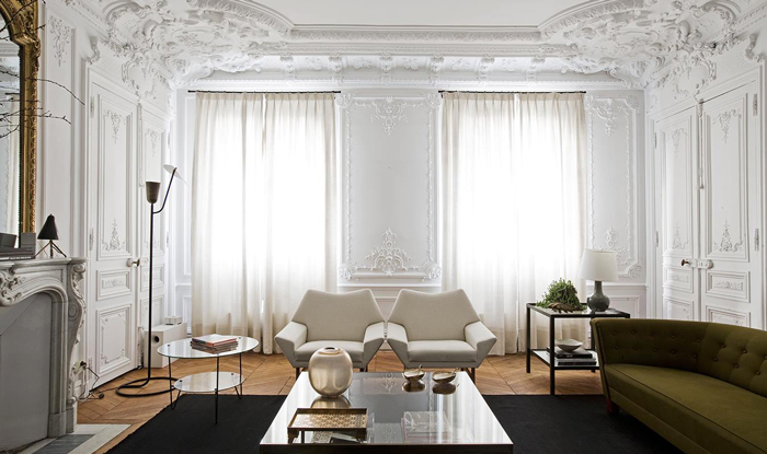 Eye for design decorating paris apartment style a for Interior design moderno