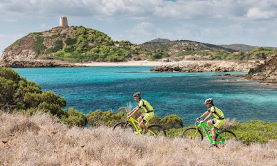 Quality road bike rental in Chia Sardinia Italy