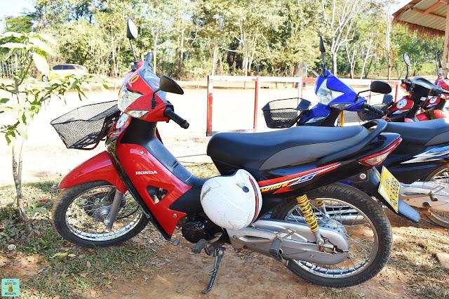 Alquiler de moto en loop de Bolaven Plateau, Laos