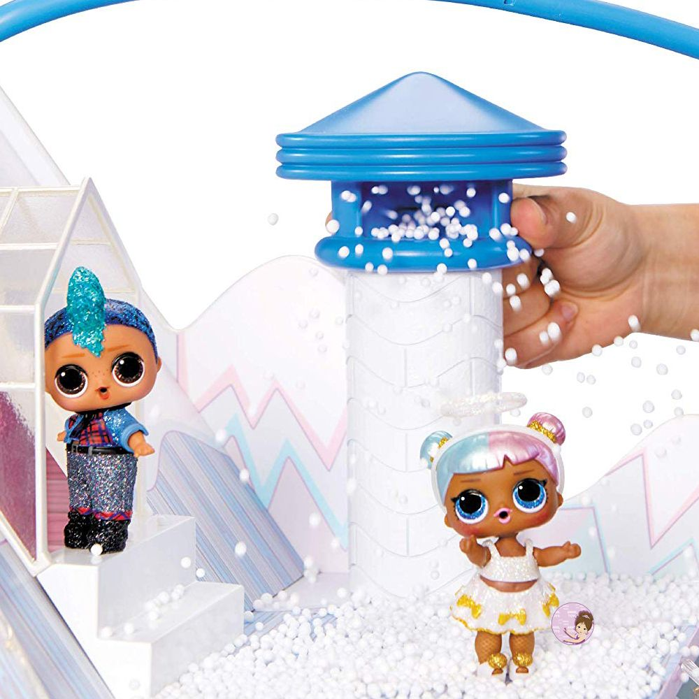 L.O.L. Surprise dollhouse with chimney as snowmaker