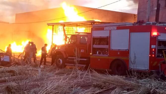 "اندلاع حريق مهول بـ""لافيراي"" الحي الصناعي بمراكش + صور"