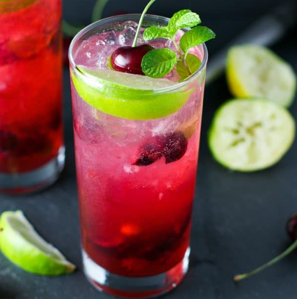 CHERRY LIME MOJITO #drink #cocktail #smoothie #sangria #mojito