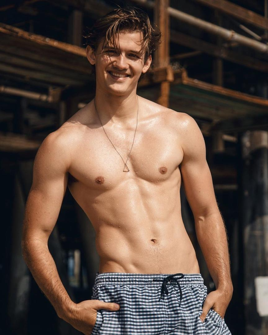 adorable-shirtless-male-model-smiling-wet-hair-slim-body-pecs