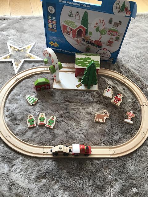 BigJigs Winter Wonderland Train Set - Wooden Christmas Train - Christmas Gift Guide 2016 - Emma in Bromley