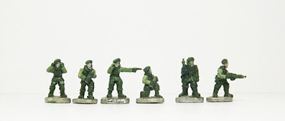 Artillery crew x 4 / Walking / Firing BAR: