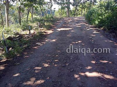 jalan tanah dan batu