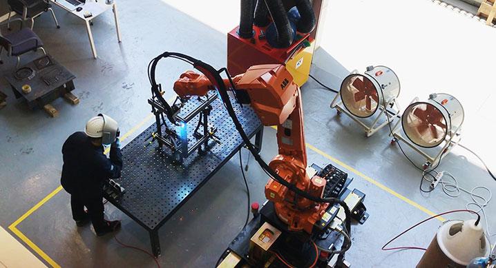 현대건설, 2020년부터 '다관절 산업용 로봇' 건설 현장 시범 적용
