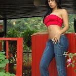 Andrea Rincon, Selena Spice Galeria 21 : Jean Azul y Top Rojo Foto 34