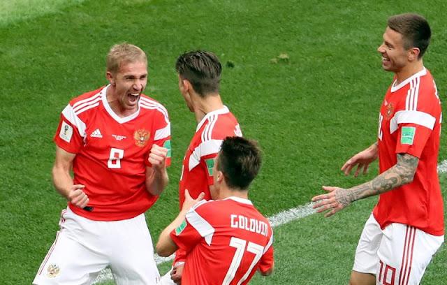 Gazinskiy, volante da Rússia, comemora 1º gol da Copa do Mundo de 2018 - Créditos: EFE/EPA/ABEDIN TAHERKENAREH