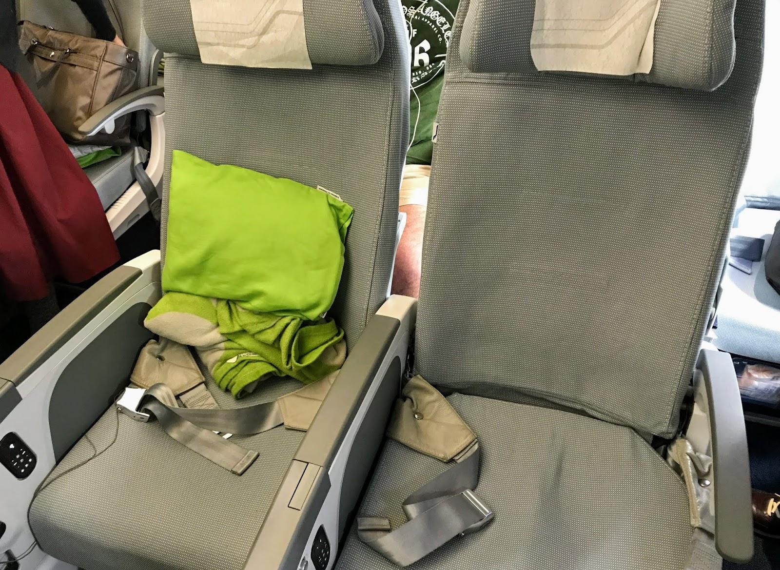 FINAIR A350-900 seat