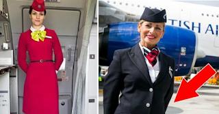 Γιατί οι αεροσυνοδοί έχουν πάντα τα χέρια πίσω όταν υποδέχονται τους επιβάτες;