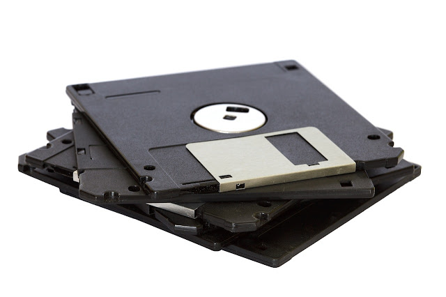 What is a Floppy Disk Drive (FDD) ? - Definition & Explain