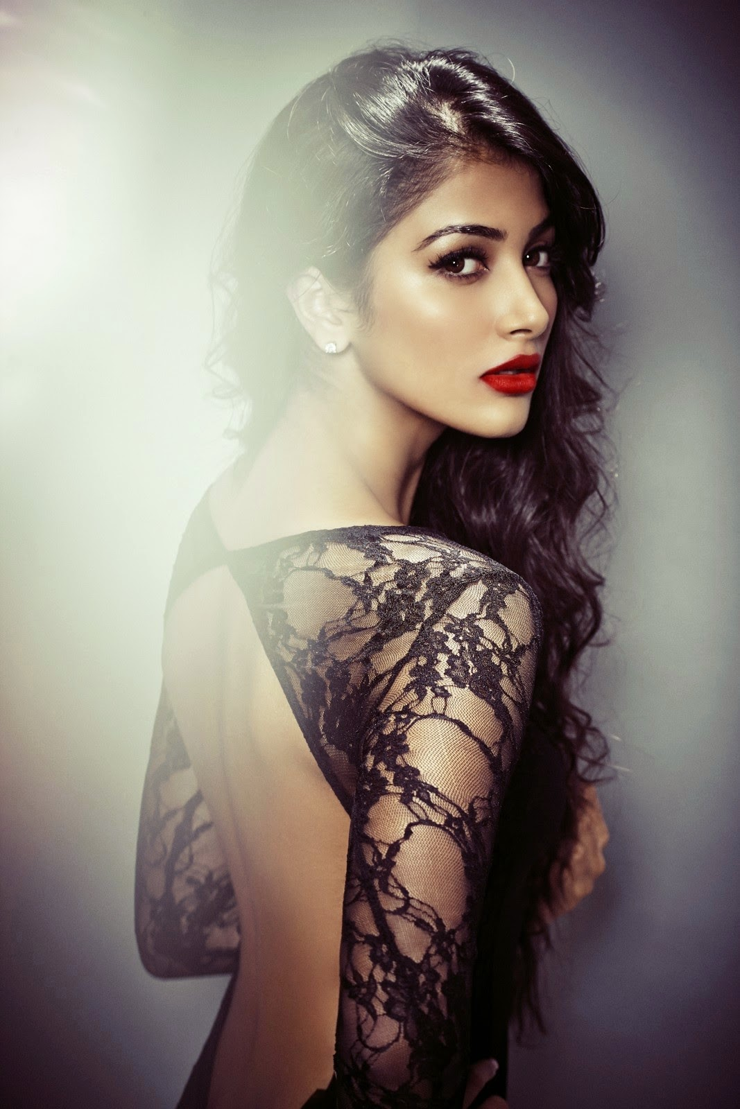 Pooja Hegde Latest Sizzling Portfolio Photos Gallery