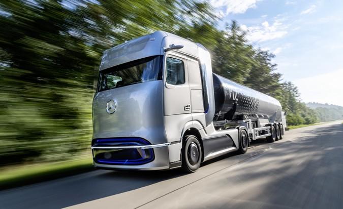Daimler Truck AG e Linde desenvolvem tecnologia de abastecimento de hidrogênio líquido para caminhões