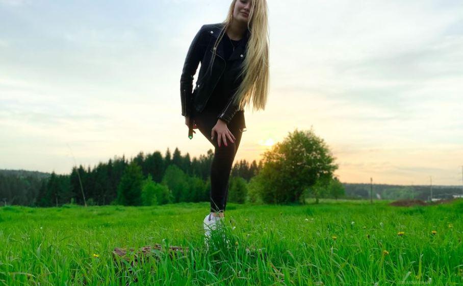 https://www.glamourcams.live/chat/BriannaSwan