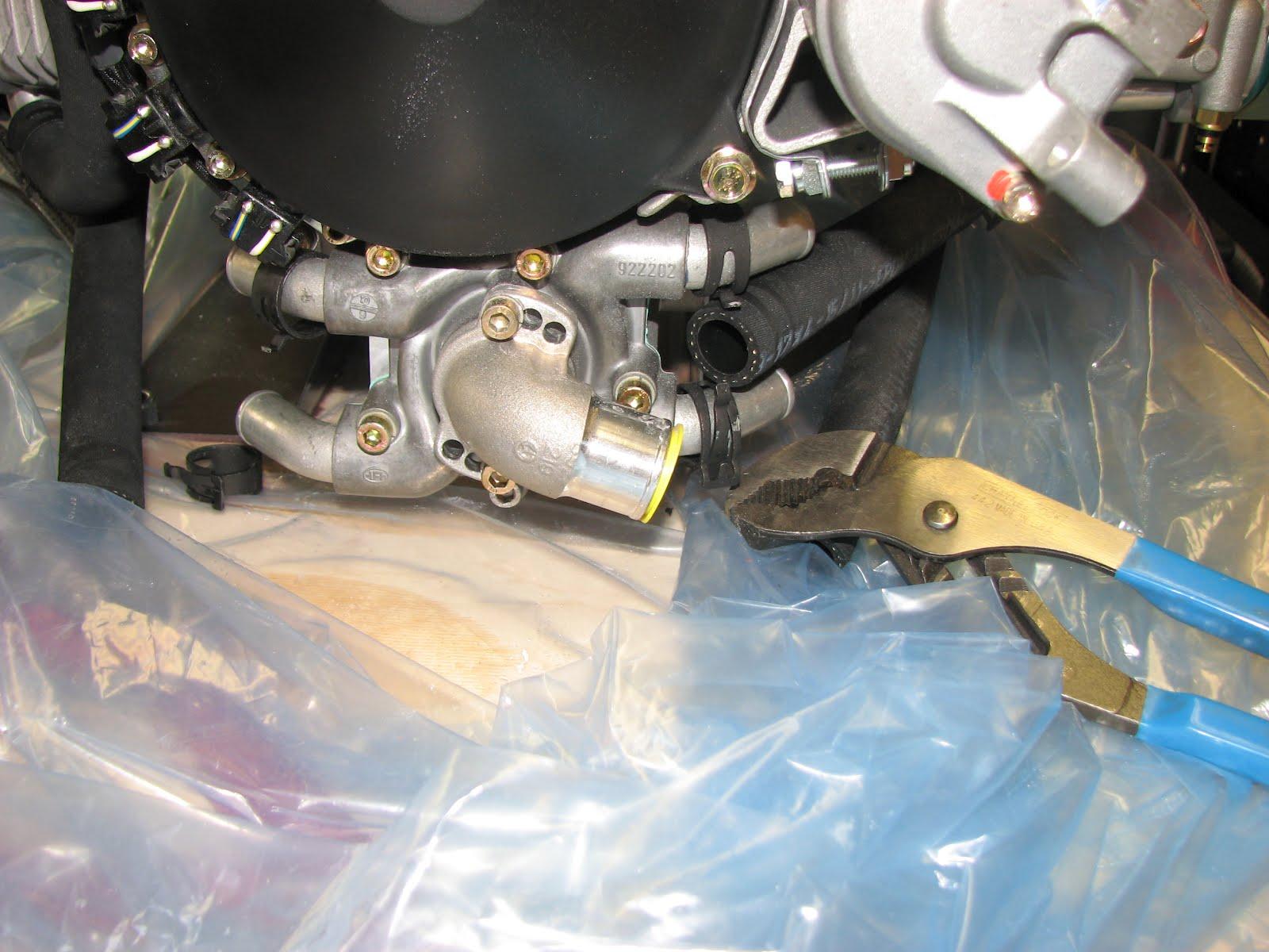 Torsten's RV-12: Cooling Shroud Installed