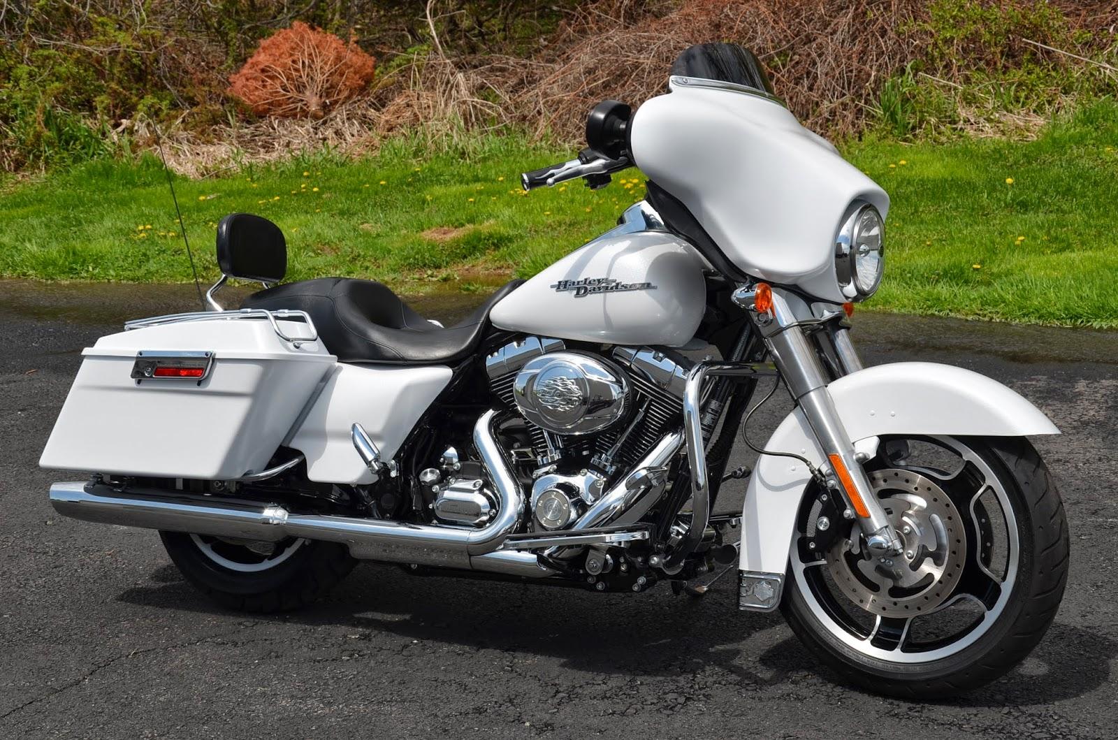 biker excalibur II: 2011 HARLEY DAVIDSON STREET GLIDE FLHX ...