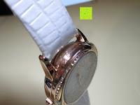 seitlich: Ostan Damen Uhren Mode Weiß Leder Runde Zifferblatt mit Zirkonia Armkette Armband Armbanduhr Uhr