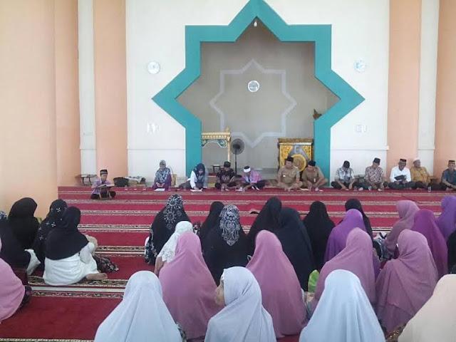 Ratusan Ibu Pengajian Silaturahmi dengan Bupati