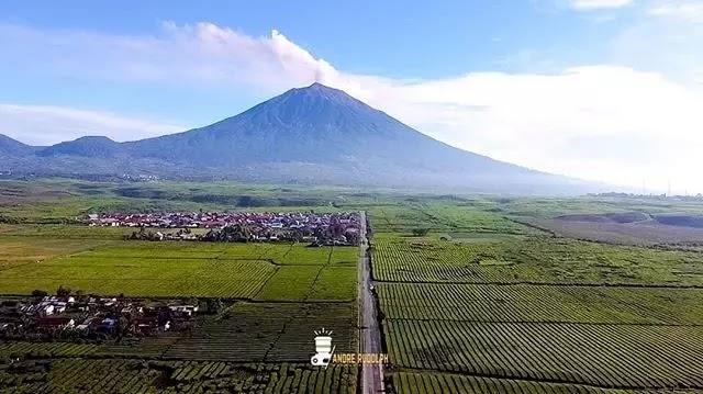 Gunung Kerinci Ditutup - Foto Instagram @andrerudolph_