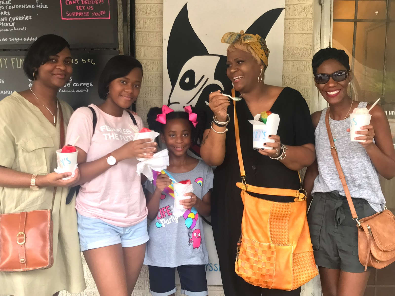Image: Tangie Bell and Her Daughters at the snow cone place in Dallas Texas. Seen first on Bits and Babbles