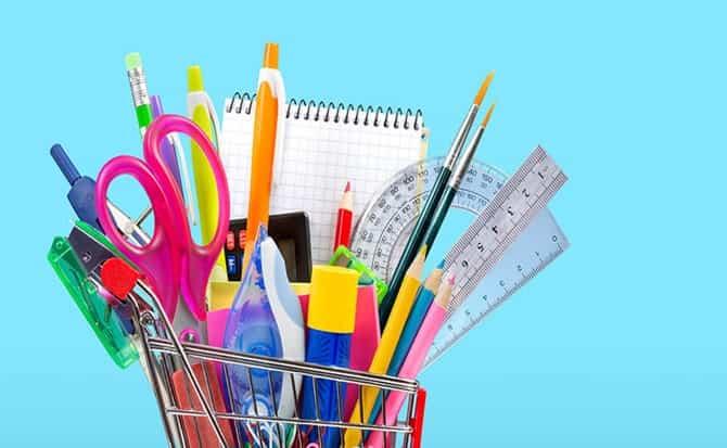 Escuelas, útiles, mochilas